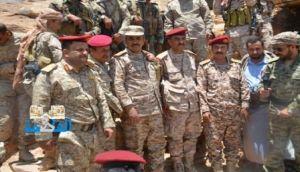 «العاصمة أونلاين» يزور مع مدير دائرة العمليات الحربية قوات الجيش في الخطوط الأمامية بجبهة نهم شرقي صنعاء