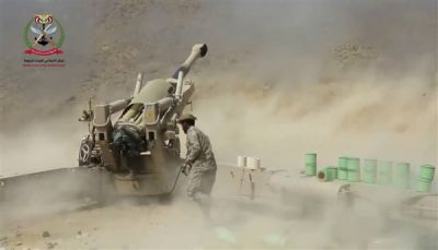 مدفعية الجيش تدك تجمعات للمليشيات الانقلابية في نهم
