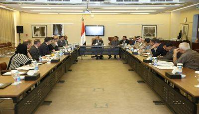 نائب الرئيس يؤكد على بناء المؤسسة العسكرية كهدف رئيسي لحماية أمن اليمن والمنطقة