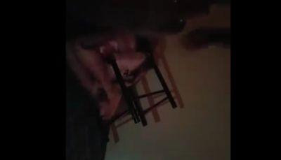 فيديو مسرّب يكشف أساليب تعذيب جماعة الحوثي للمختطفين في سجونها