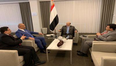 الرئيس هادي يوجّه وزارة الخارجية بالتعاطي البناء مع جهود السلام