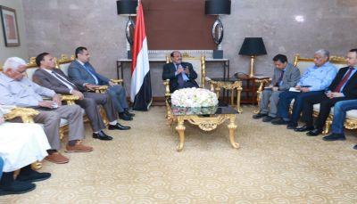 نائب الرئيس يناقش مع قيادات الأحزاب البرنامج التنفيذي للتحالف الوطني