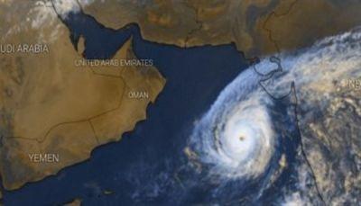 """الحكومة اليمنية ترفع جاهزيتها لمواجهة أي آثار لإعصار """"كيار"""""""