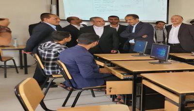 ظهور حسن ايرلو في جامعة صنعاء يثير سخط اليمنيين ويفضح ادعاءات الحوثيين بالسيادة