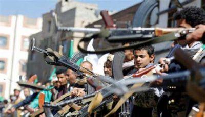 في حي الحضائر.. طرد مستأجري عمارة سكنية وتسكين قيادات حوثية