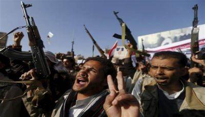 """سموم """"الحوثي"""" الطائفية ونهبها للأموال.. كيف يقاومها مواطنو صنعاء..؟ (تقرير خاص)"""