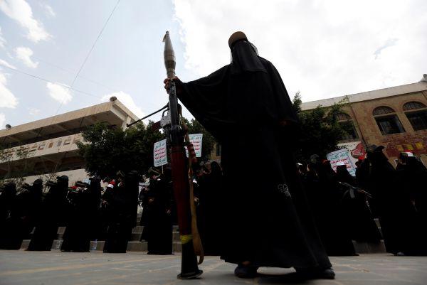 الحوثيون.. سجل مروع من الانتهاكات بحق المرأة اليمنية
