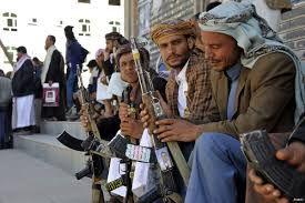 """مليشيا الحوثي تواصل مضايقة التجار بصنعاء ونهب أموالهم من """"العملة الجديدة"""""""