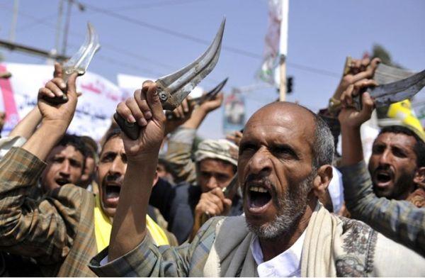 ما وراء تنصل الانقلابيين عن اختطافهم صحفيين.. وتهديد حوثي لـ«المخلوع» بتفجير الوضع عسكريا في صنعاء
