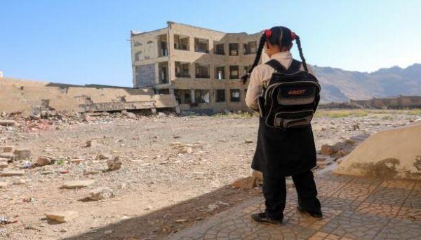 في الذكرى الثالثة للإنقلاب .. معلمون بلا رواتب وطلاب خارج أسوار المدارس.. التعليم إلى اين؟