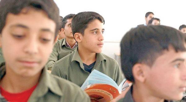 مليشيا الحوثي وصالح تفرض رسوم كبيرة على طلاب المدارس الحكومية