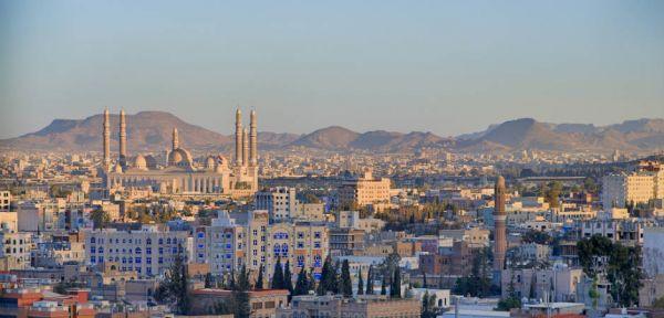 بيوت الإيجار في صنعاء.. سوط على المستأجرين يفاقمه منع الميليشيا للرواتب