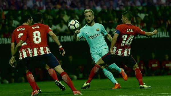 """أتليتكو مدريد يوقف انتصارات برشلونة في """"الليغا"""""""