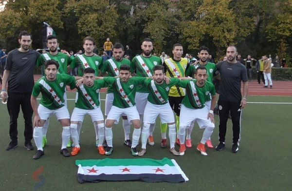 """""""المنتخب السوري الحر"""" يبحث عن الاعتراف"""