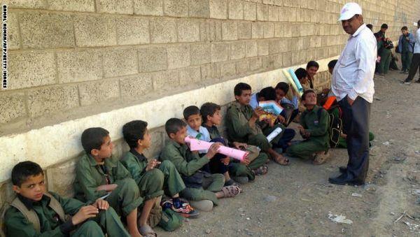 مليشيات الحوثي تفرغ مدارس العاصمة صنعاء من الكوادر المؤهلة