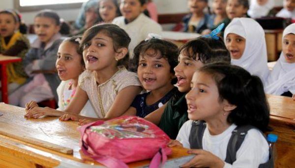 المليشيات تصرف نصف راتب ومعلمون يداومون نصف دوام