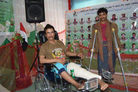 الحوثيون يجندون «المهمشين» ويقفذوهم إلى محارق الموت.. عامل نظافة يروي تجربته المريرة