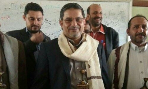 يحي الحوثي يتهجم بألفاظ نابية على وكيلة مدرسة بصنعاء ويوقفها عن العمل (حصري)