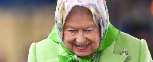 صحيفة ألمانية: ملكة بريطانيا ترتدي الحجاب.. لماذا تحظرونه على المسلمات؟