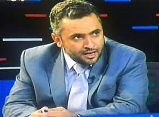 العديني: مصلحة الإصلاح في عودة الدولة اليمنية بكامل صلاحيتها