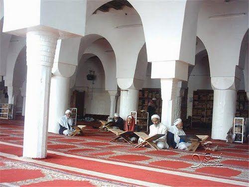 كيف حول الحوثيون مساجد العاصمة الى أماكن للتحريض الطائفي؟!