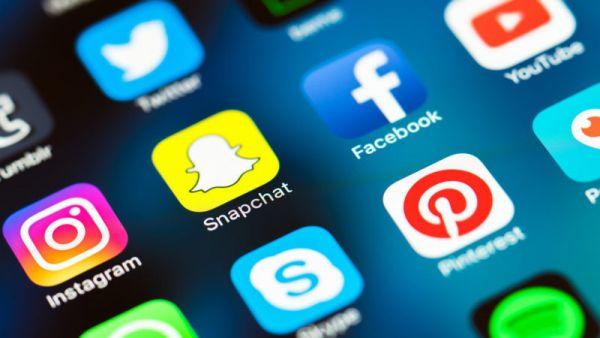 """الحكومة تعلن اطلاق شركة (انترنت) جديدة تحت اسم """"عدن نت"""" خلال الشهر القادم"""