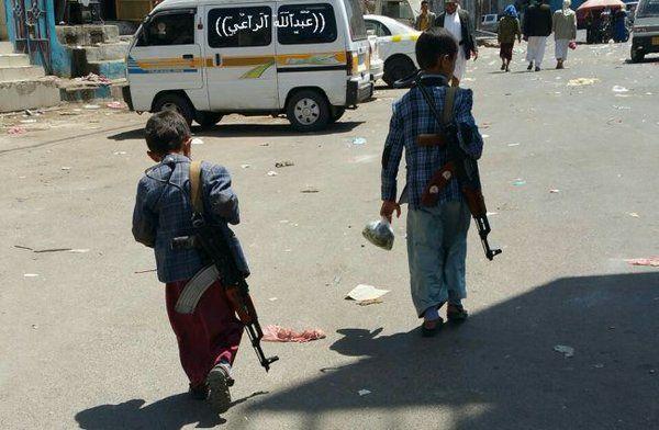 """أطفال صنعاء في مواجهة خطر """"الموت"""" الذي تقودهم إليه مليشيا الحوثي"""