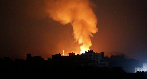 التحالف يقصف مخازن للأسلحة تابعة للمليشيا الحوثية شمال العاصمة صنعاء