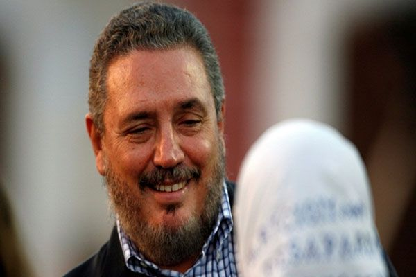 انتحار نجل زعيم الثورة الكوبية الراحل فيدل كاسترو