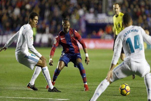 ريال مدريد يواصل السقوط ويفشل في اجتياز عقبة ليفانتي