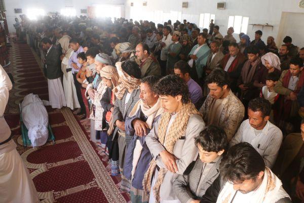"""تشييع جثمان الشهيد """"نور الدين الداعري"""" إلى مقبرة الشهداء بمأرب"""