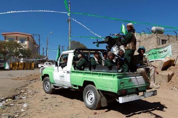 """الحوثيون يشكّلون عصابات مسلّحة في أمانة العاصمة تحت مسمّى """"شرطة مجتمعية"""""""