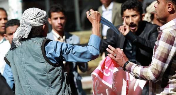 الحوثيون.. الخنجر الذي طعن خاصرة ثورة 11 فبراير (تقرير خاص)