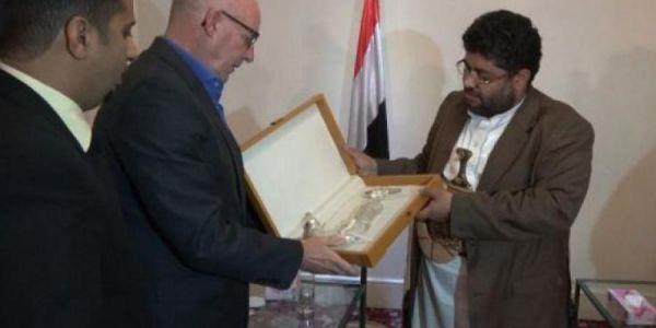 """""""المنظمات الدولية"""".. الأنبوب المباشر لدعم الحوثيين تحت غطاء انساني (تقرير خاص)"""