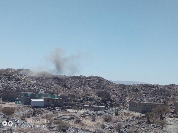 """البيضاء: مليشيا الحوثي تقصف منازل المواطنين بـ""""ذي ناعم"""" بصواريخ الكاتيوشا"""