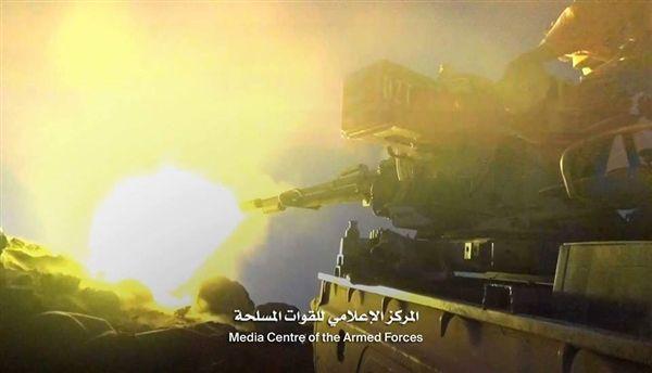 نهم: الجيش يحرر سلسلة جبال رياعين والأدمغ وعشرات القتلى والجرحى من المليشيات