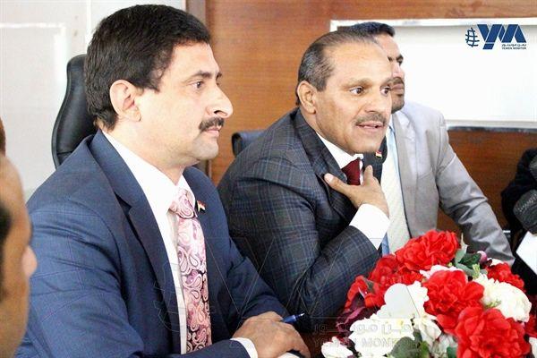"""صنعاء: رجال الأعمال يرفضون أخطر عرض حوثي يتمثل في شراء """"خدمات الدولة"""""""