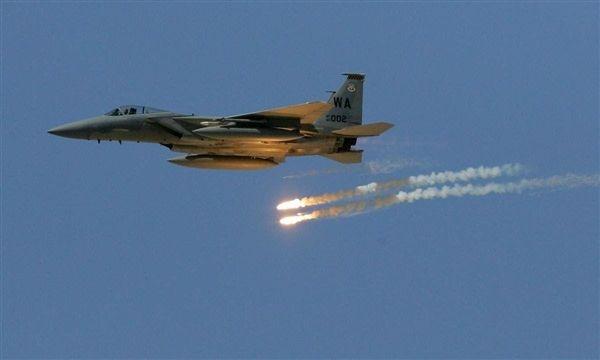 عاجل: مقاتلات التحالف تشن 3 غارات على مواقع المليشيات شمال العاصمة صنعاء