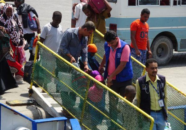 الحكومة تدعو المجتمع الدولي لدعم اليمن لوقف تدفق المهاجرين الأفارقة الى اليمن
