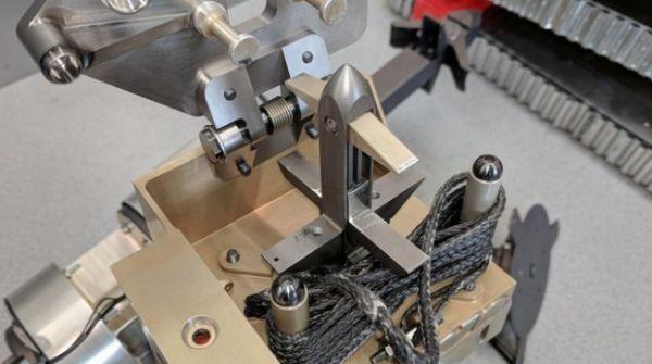 باحثون يجربون استخدام الرماح لجمع النفايات الفضائية