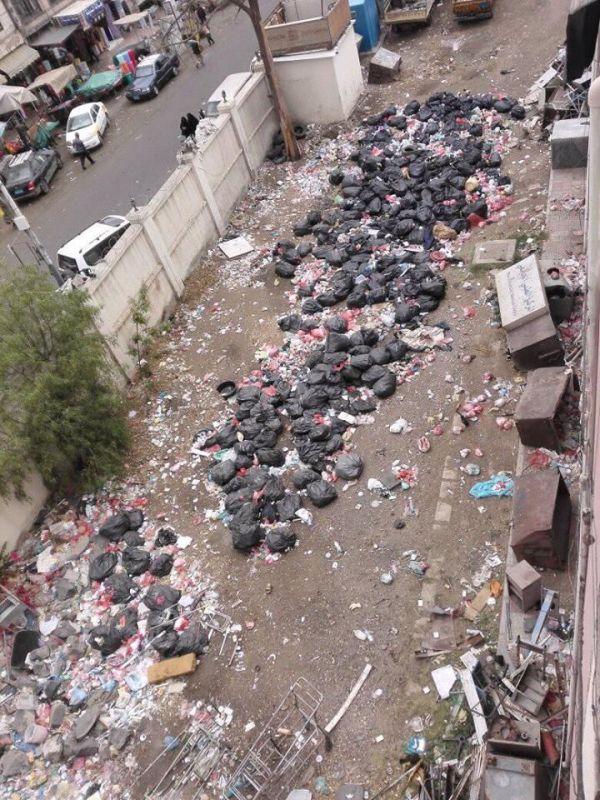 كيف حولت مليشيا الحوثي مستشفى الكويت الى مكان لرمي النفايات والمخلفات؟!