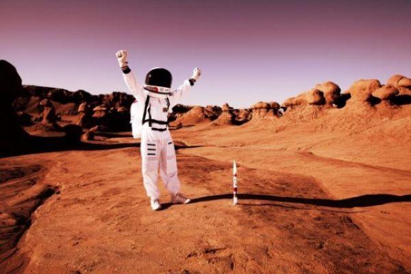 «ناسا»: أول شخص يذهب للمريخ يجب أن يكون امرأة