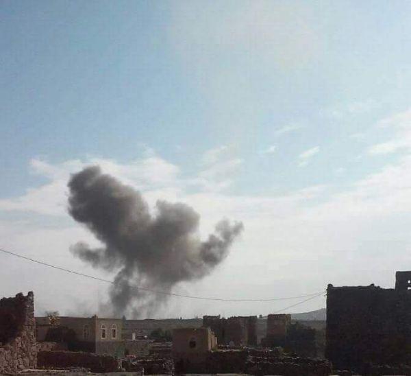 5 غارات للتحالف على معسكر للمليشيات بأرحب شمال صنعاء