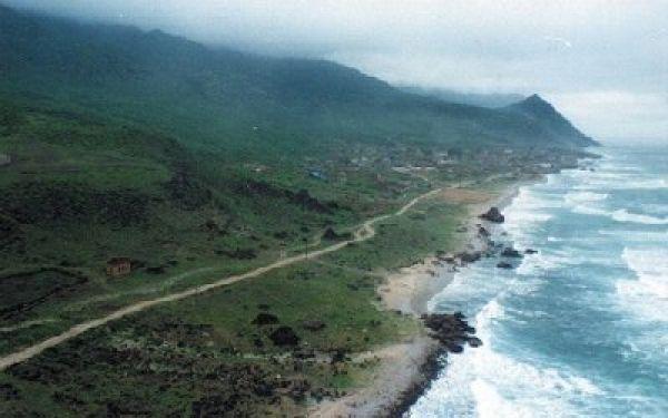"""إعصار """"ماكونو"""" لا يزال من الدرجة الأولى وارصاد المهرة يحذر المواطنين"""
