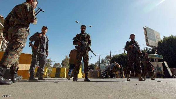 """الحوثيون بـ""""صنعاء"""" انهيار وفرار وحملة اختطافات"""