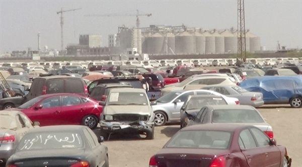جماعة الحوثي تستبق هزيمتها بنهب ممتلكات التجار في ميناء الحديدة
