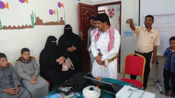 السلطة المحلية بمأرب تشيد بدور مركز تأهيل الأطفال المجندين