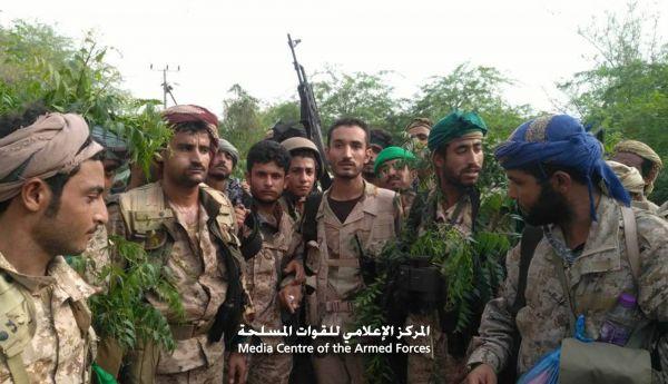 صعدة: الجيش يواصل تأمين المواقع المحررة في رازح ويطهرها من الألغام