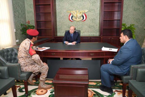 الرئيس يؤكد على أهمية توحيد المؤسسات العسكرية وتنظيمها