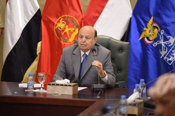 الرئيس هادي يتعهد بتطهير المؤسسة العسكرية من الفساد والعشوائية